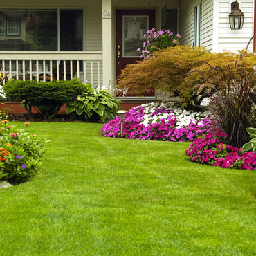 Grass Cutting and Lawn Care Services in Uxbridge and Stouffville 416-786-7699